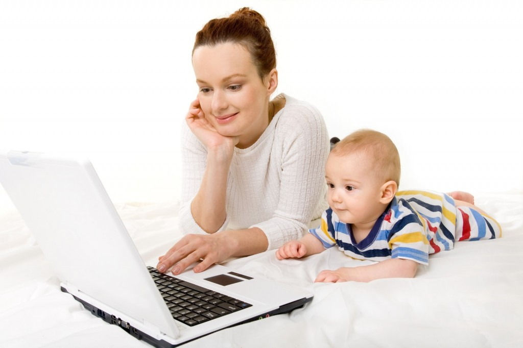 Woman_Computer_Baby_3